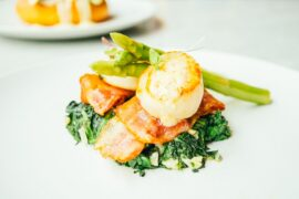 scallops shell with bacon asparagus